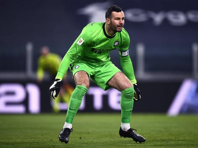 Samir Handanovic in Erwartung eines gegnerischen Abschlusses