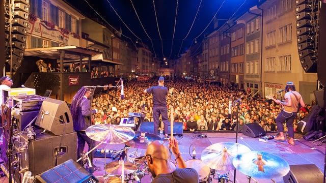 Blick von der Konzertbühne ins Publikum