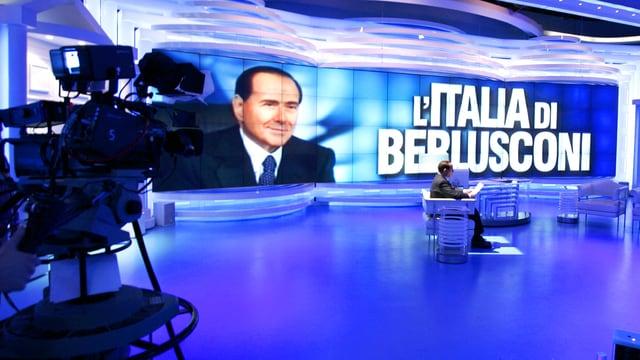 Berlusconi im Studio.