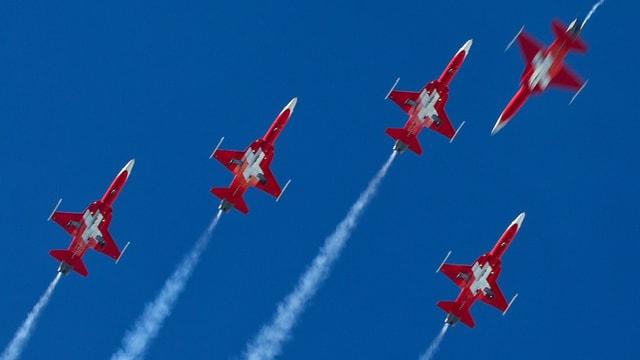 Die Patrouille Suisse ist bekannt für die präzisen Flugmanöver.