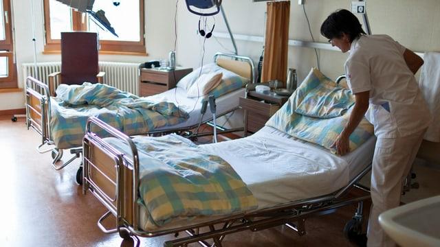Pflegerin bei der Arbeit am Spital Ilanz