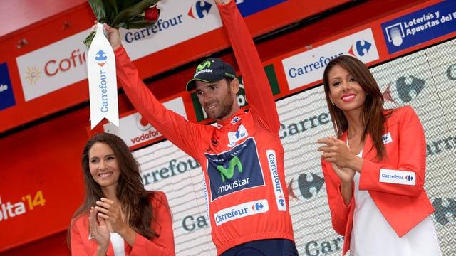 Alejandro Valverde bejubelt einen Etappensieg an der Vuelta 2014.