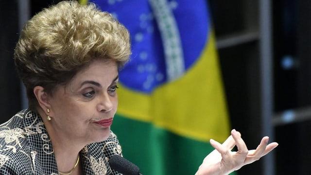 Dilma Rousseff sto bandunar ses post.