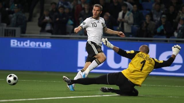 Im Oktober 2010 löste Deutschland im Rahmen der EURO-Quali die Aufgabe in Kasachstan souverän.
