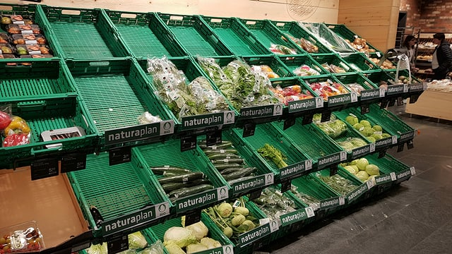 Curunas prest vidas cun legums.