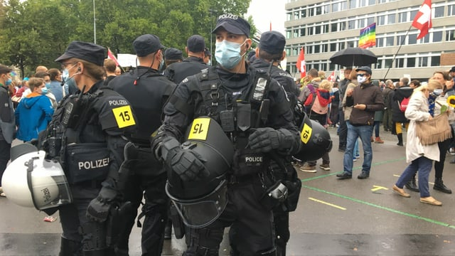 Polizei am Helvetiaplatz
