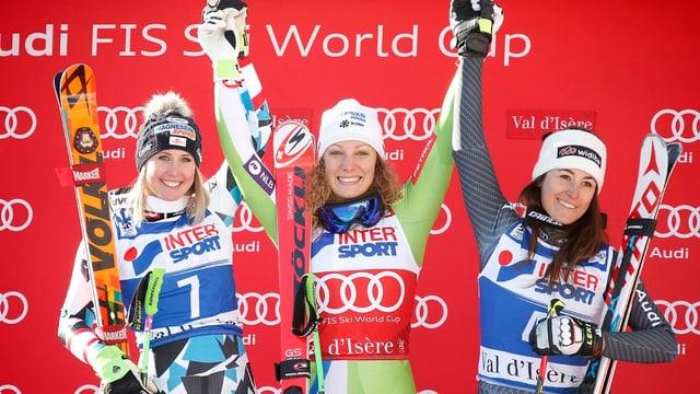 La Slovena Ilka Stuhec gudogna, sin plazza duas e trais Cornelia Hutter (Austria) e Sofia Goggia (Italia).