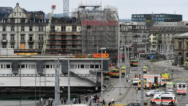 Abgebranntes Gebäude beim Züricher Hauptbahnhof.