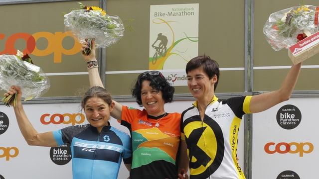 Las victuras dal campiunadi svizzer; da sanestra Darbellay Florence, Ester Süss e Andrea Ming.