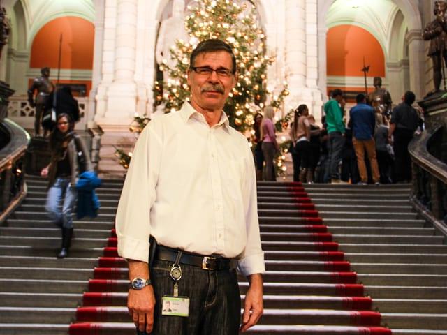 Das ist sein Reich, das Parlamentsgebäude in Bern.