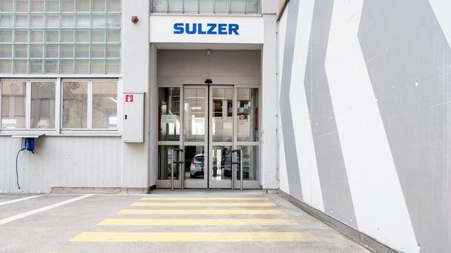In isch d'entrada da Sulzer.