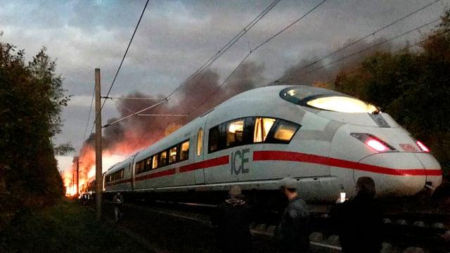 ICE in Deutschland steht in Flammen.