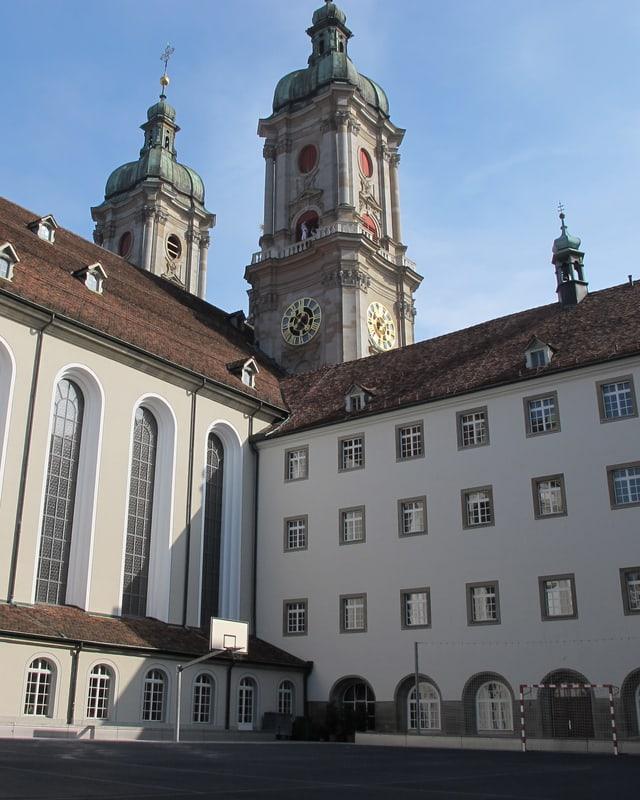 Flade mit Klostertürmen