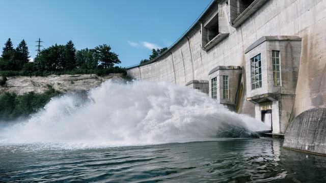 Wasserkraftwerk in Kleinboesingen im Kanton Freiburg.