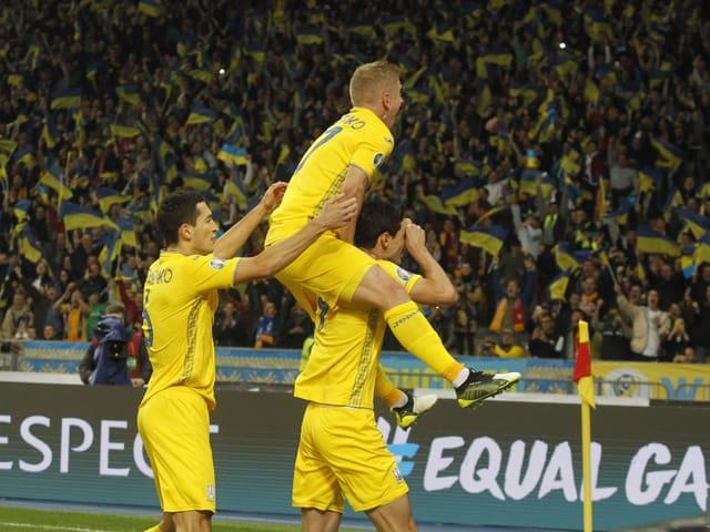 Frankreich muss noch warten - Ukraine als 5. Team für EURO qualifiziert