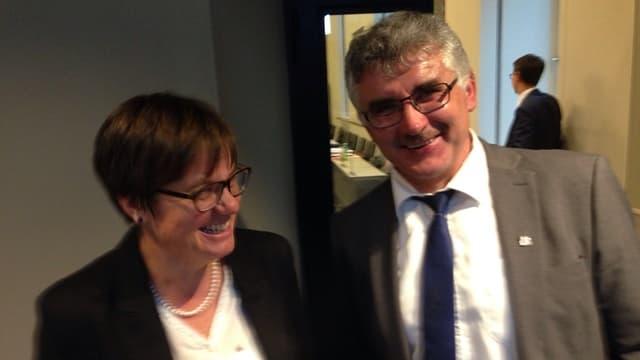 La noviza Aita Zanetti cun ses padrin Emil Müller.