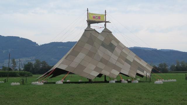 Sarasani-Zelt am Kala18