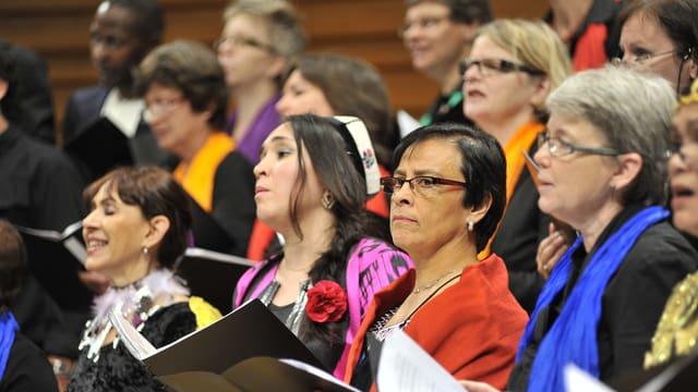 Der Chor der Nationen bei einem Auftritt