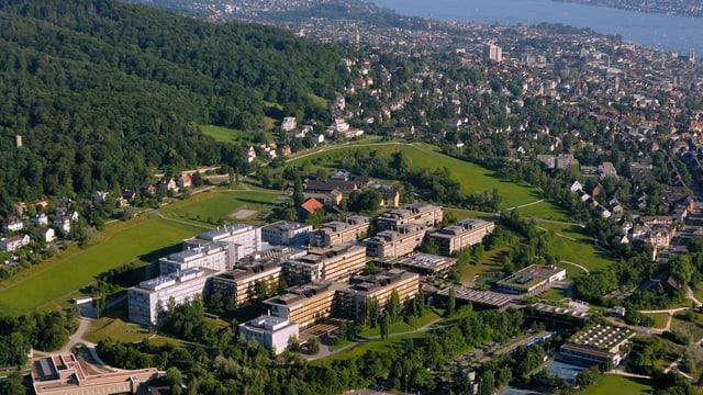 Luftaufnahme vom Campus Irchel der Universität Zürich
