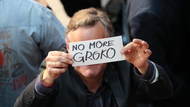 Adherent da la SPD tegn ad aut in scrit cun si: Nagina coaliziun gronda pli.