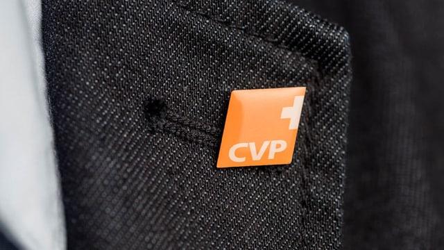 """Pin mit Aufschrift """"CVP"""""""