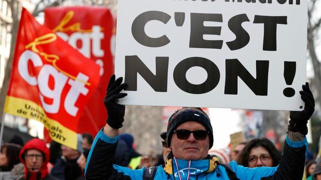Gesetzesentwurf verabschiedet - Lässt Frankreichs Regierung die Streikenden auflaufen?