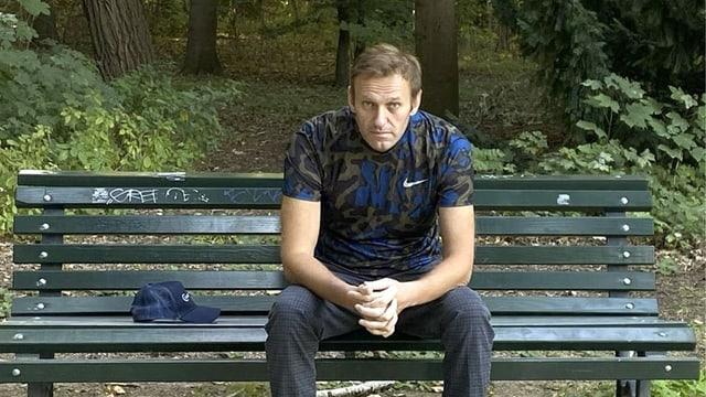 purtret dad Alexey Nawalny che sa chatta anc adina en Russia.