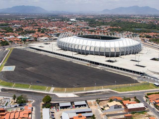 Das Fortaleza-Stadion von aussen.