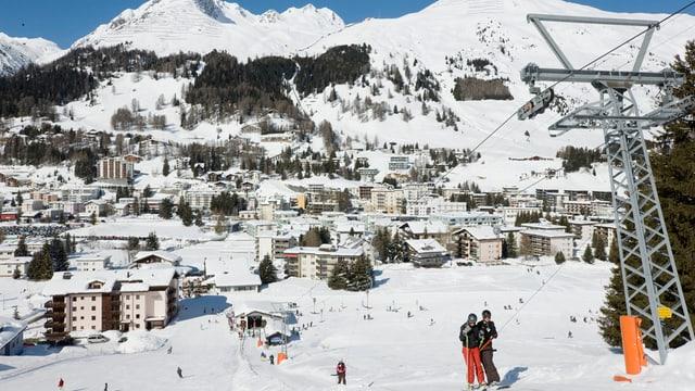 Ein Skilift in Davos im Winter.