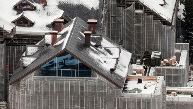 Ein Hotel des Swiss Alp Resorts in Andermatt wird gebaut.