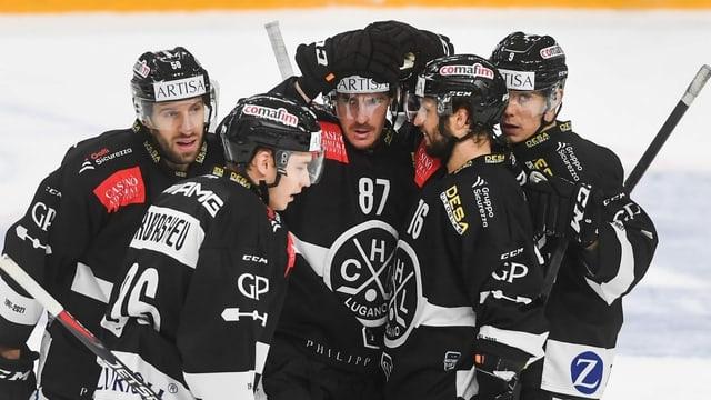 Der HC Lugano gewinnt Spiel 1 nach der Quarantäne