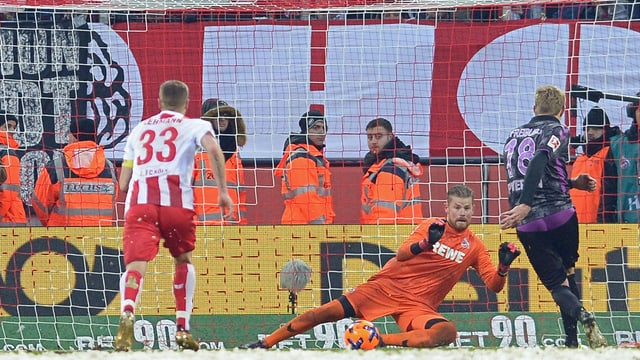 Petersen verwandelt Penalty