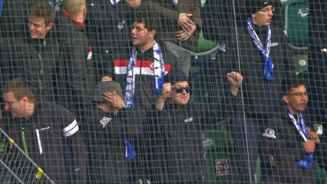 Die Fans aus Lausanne jubeln.