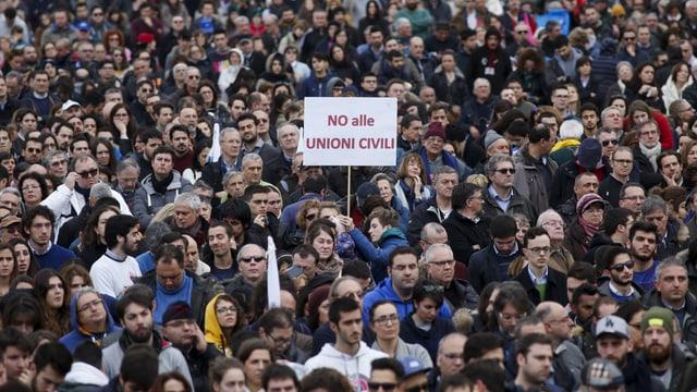 Menschenmenge an einer Demontration gegen eingetragene Partnerschaften am 30. Januar in Rom.