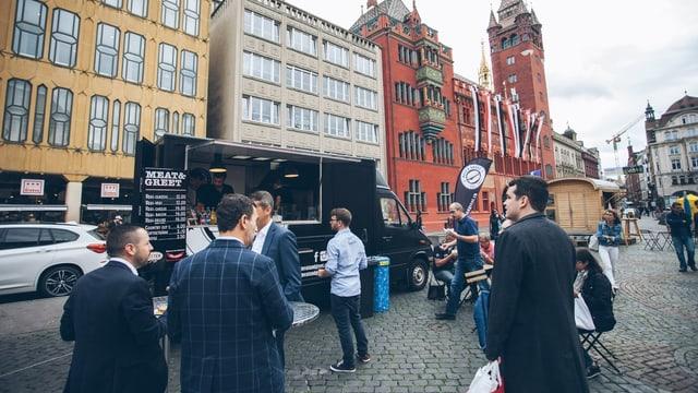 Foodtruck mit Rathaus