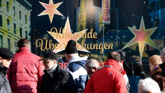 Am dritten Sonntagsverkauf kamen viele Kunden in die Zürcher City: Für die Händler hätten es noch mehr sein dürfen.
