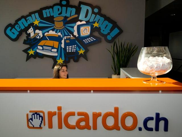 Der Empfang von Ricardo im Hauptgebäude in Zug