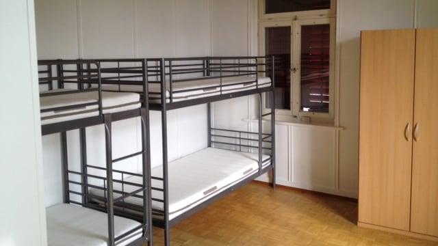 Zimmereinrichtung in der Asylunterkunft «Chäsi»