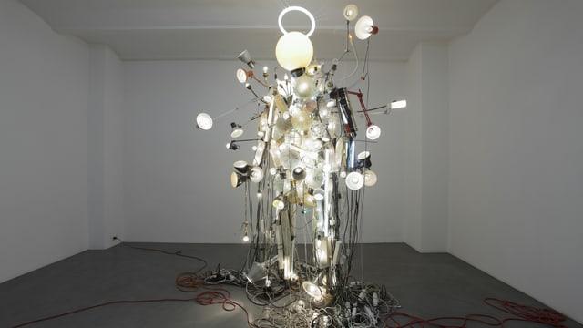 Eine Installation des Künstlers Kristof Kintera mit viel Licht.