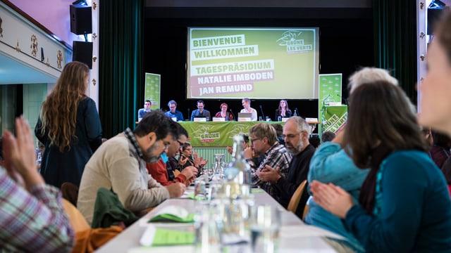 Ils delegads da la Partida dals verds èn s'inscuntrads oz a Berna.