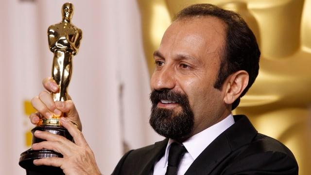 Asghar Farhadi 2012 mit seinem ersten Oscar.