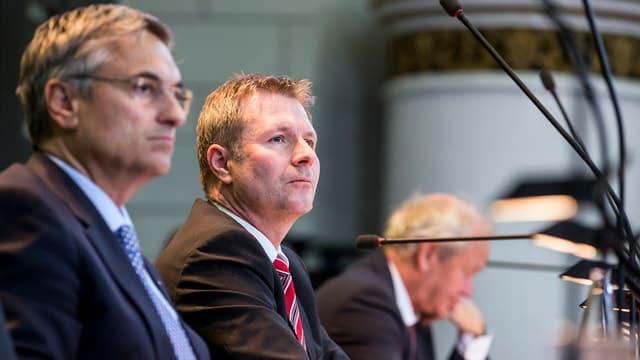 Die Luzerner Regierung (im Bild Guido Graf, Marcel Schwerzmann und Paul Winiker, von links) ist gefordert.