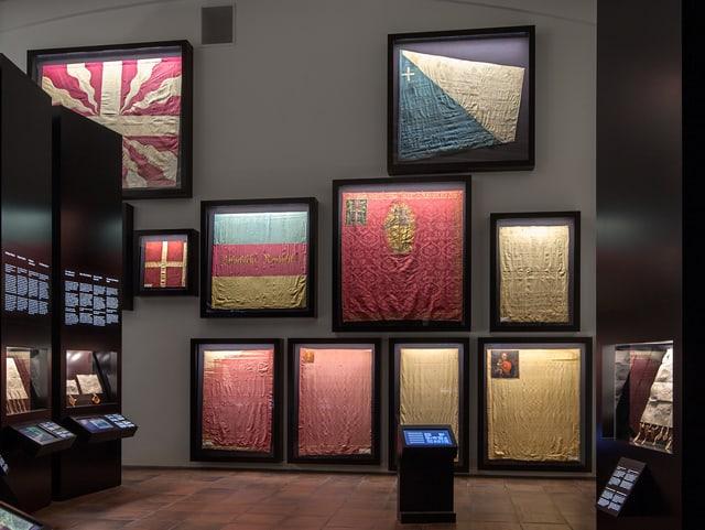 Fahnenausstellung im Bundesbriefmuseum Schwyz.