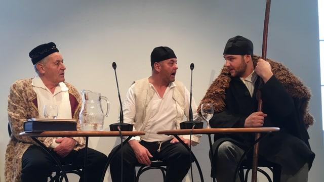 Gian Travers (giugà da Georg Koch), Philipp Gallicius (Christian Hänny), Duri Campell (Gudench Roner)