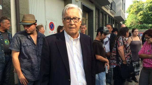 Hans-Peter Schreiber demonstriert auch gegen die Schliessung von Jobshop.