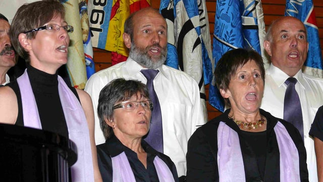 maletg simbolic: Las preperativas per la festa van tenor giavisch.