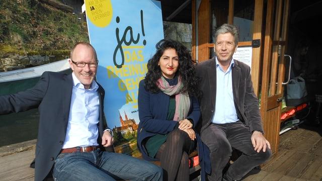 Daniel Egloff, Sibel Arslan und Daniel Goepfert sitzen auf der Münsterfähre