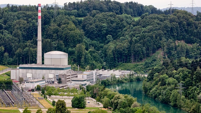 purtret da l'ovra atomara Mühleberg