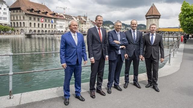 Paul Winiker, Reto Wyss, Guido Graf, Fabian Peter e Marcel Schwerzmann.