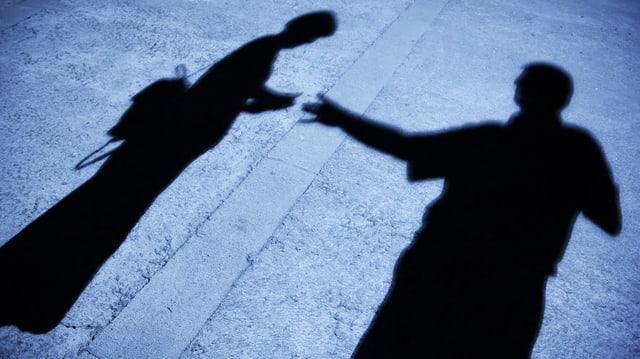 Schatten von Frau und Mann